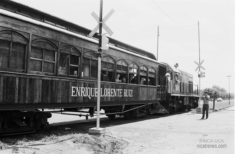 locomotive No.52 with passenger car nicaragua Railroad